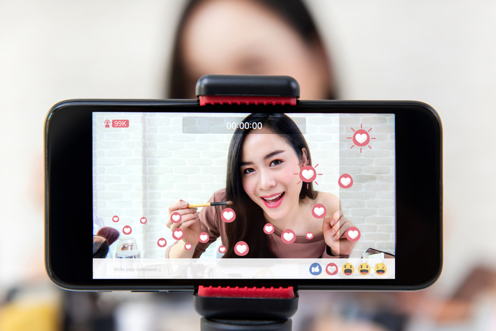 Woman Live Streaming Livestreaming Broadcasting
